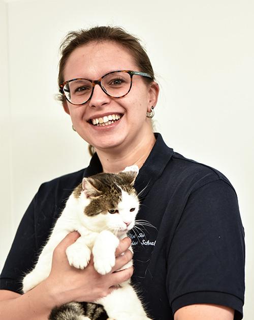 Larissa-Schnabel-Team---Tierklinik-Mitterndorf